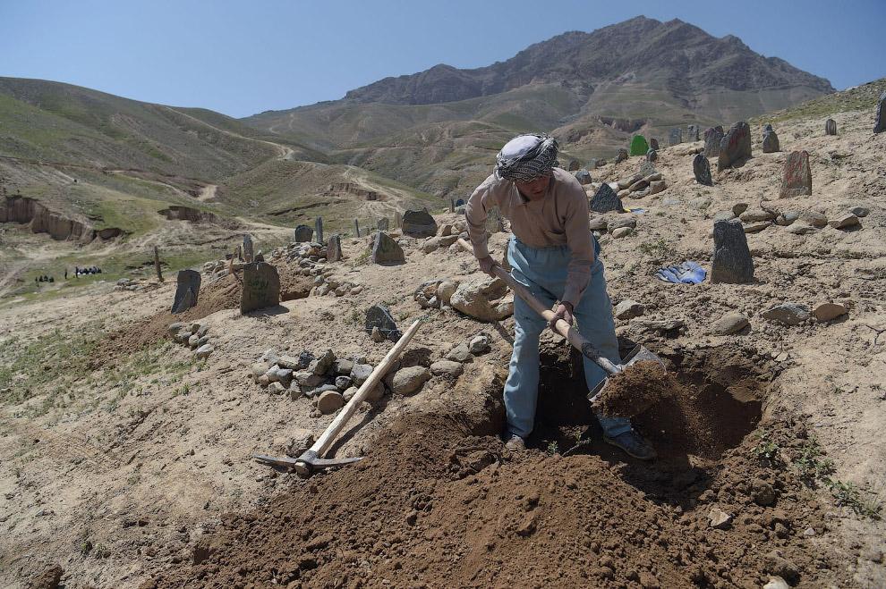 Совсем недавно, 23 апреля 2018 от взрыва бомбы в Кабуле погибло 57 человек