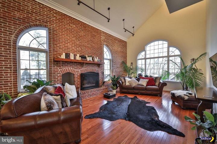 Дом с особенным подвалом архитектура