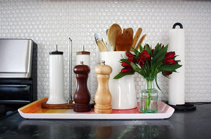 Ваза с цветами в интерьере кухни