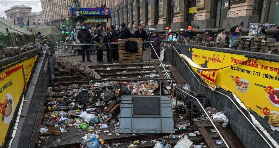 Киеву утерли нос желтым жилетом