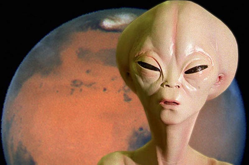 Прилетает на Землю инопланет…