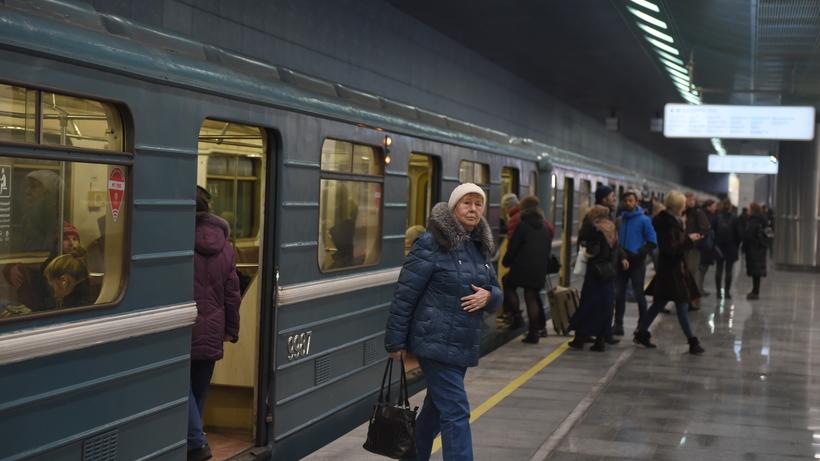 Движение поездов восстановили после сбоя на «зеленой» ветке