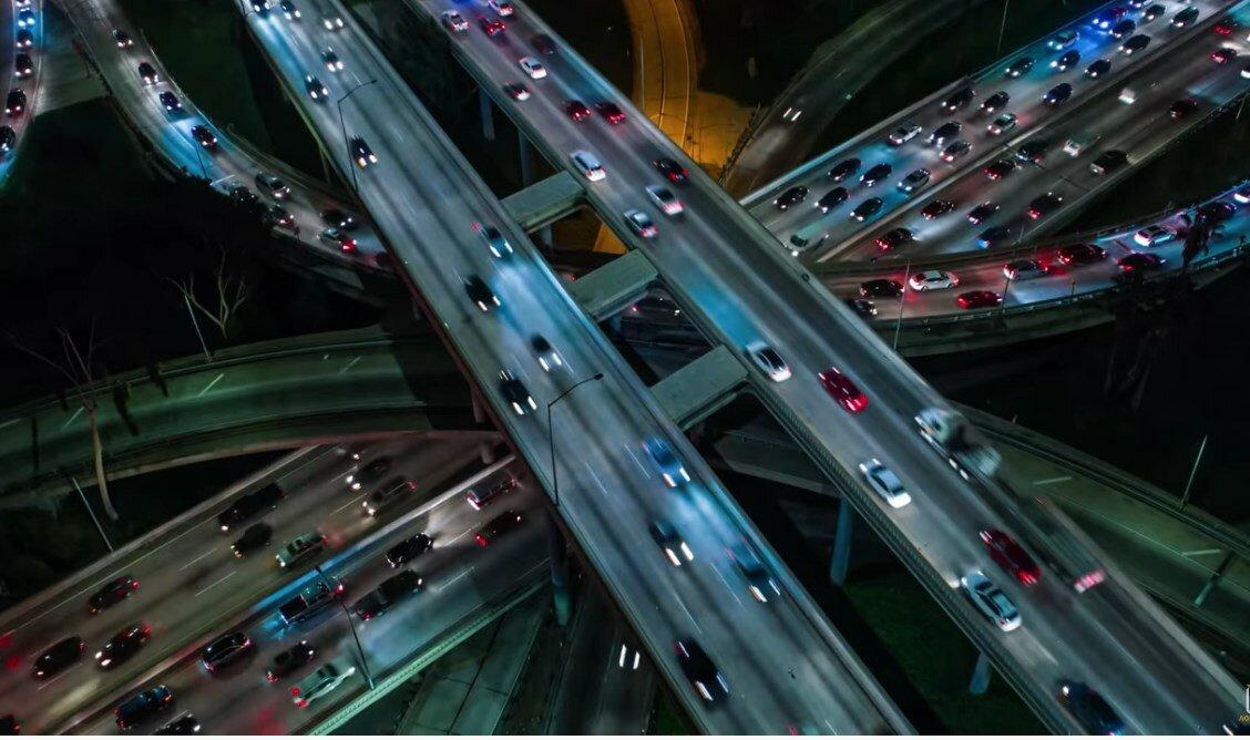 Почему в Японии нет пробок, а в Германии дороги служат очень долго
