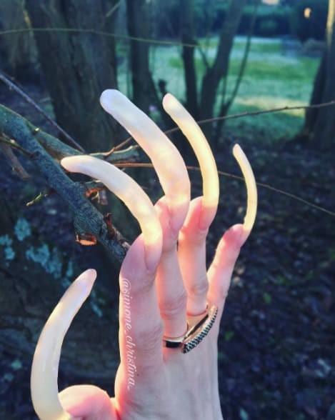 Вот как будут выглядеть ногти, если не стричь их три года
