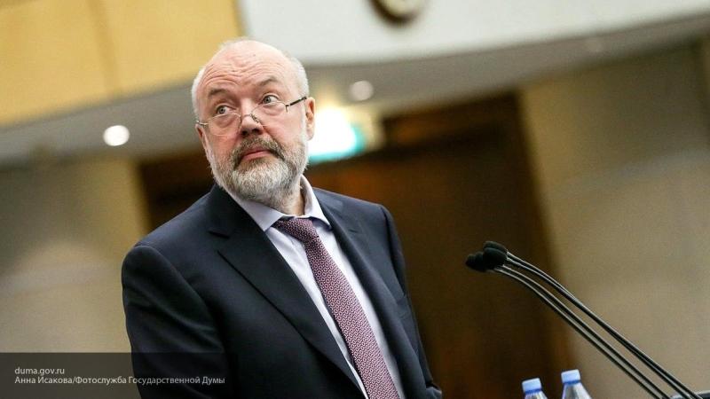 Рабруппа по Конституции предлагает запретить министрам иметь счета в  зарубежных банках