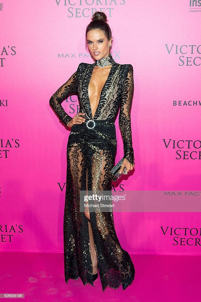 2016 Victoria's Secret Fashion Show in Paris - After Party - Arrivals : News Photo