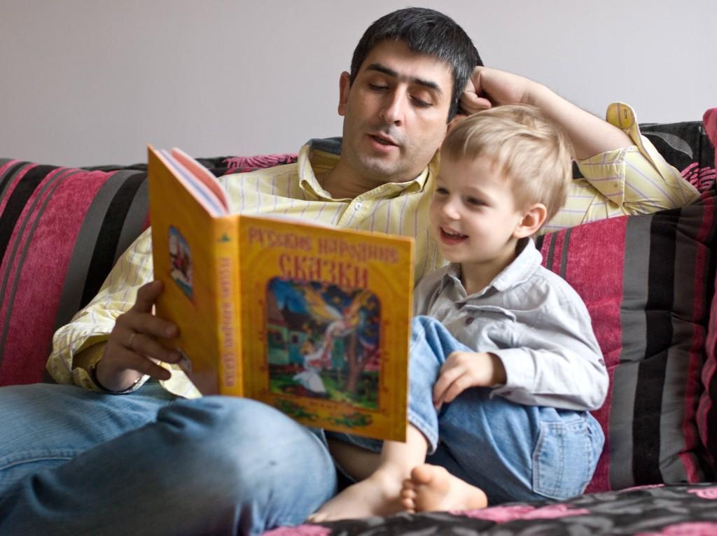 Книжка первая и главная. Почему детям важно и нужно читать сказки