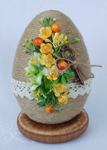 Идея декора пасхального яйца шпагатом