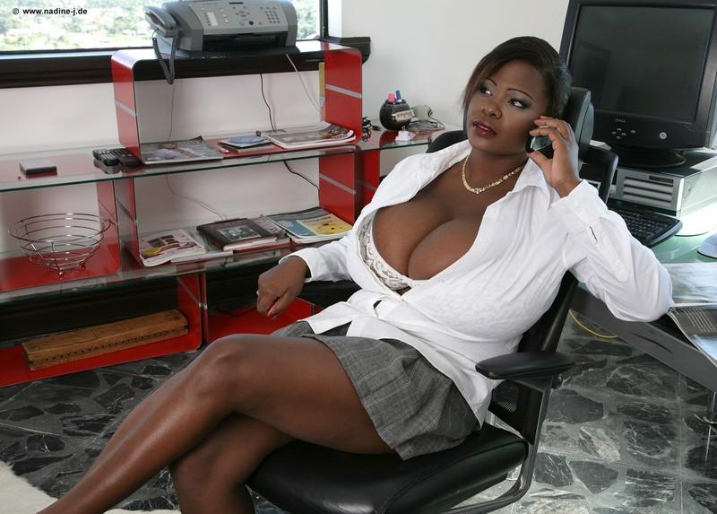 Фото красивых моделей с большой натуральной грудью #12