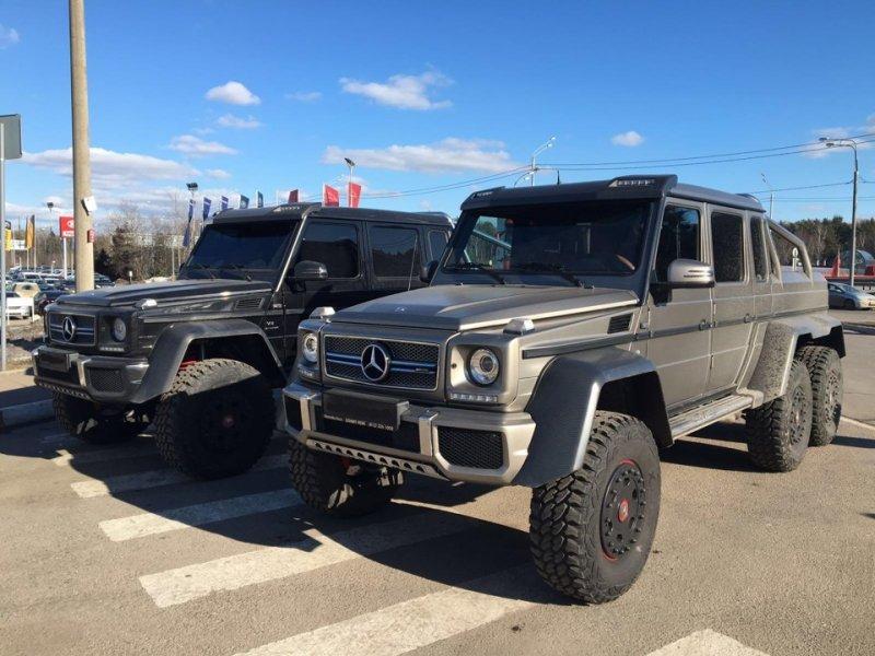 Хочу сказать, что буквально несколько месяцев назад автомобилей на территории России было несколько больше, но за последнее время они были выкуплены и вывезены в Европу и ОАЭ. 6x6, amg, g63, gelandewagen, mercedes-benz