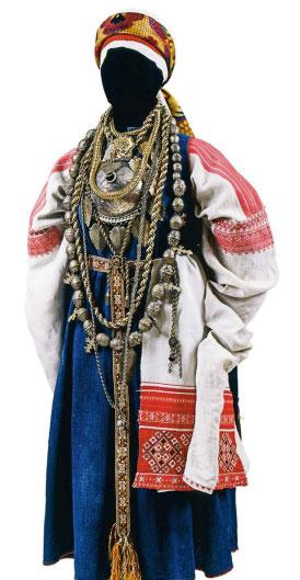 Серебряные украшения эстонки-сету