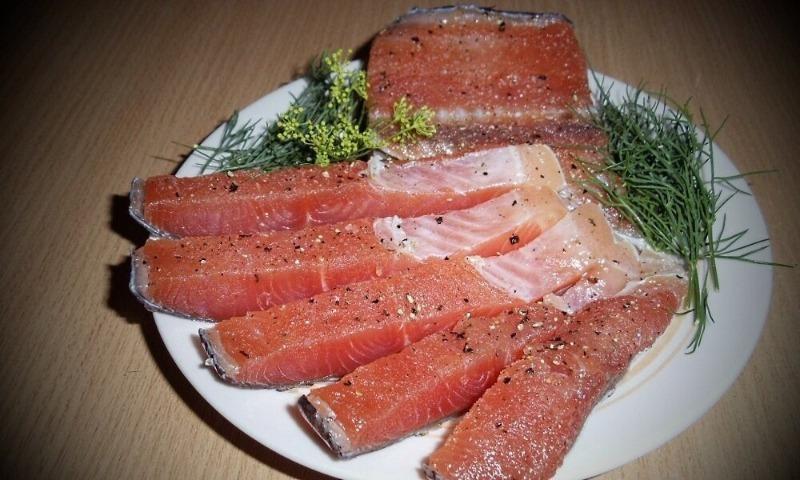 5 способов засолить горбушу, чтобы все подумали, что едят семгу квасим и солим,рецепты,рыбные блюда