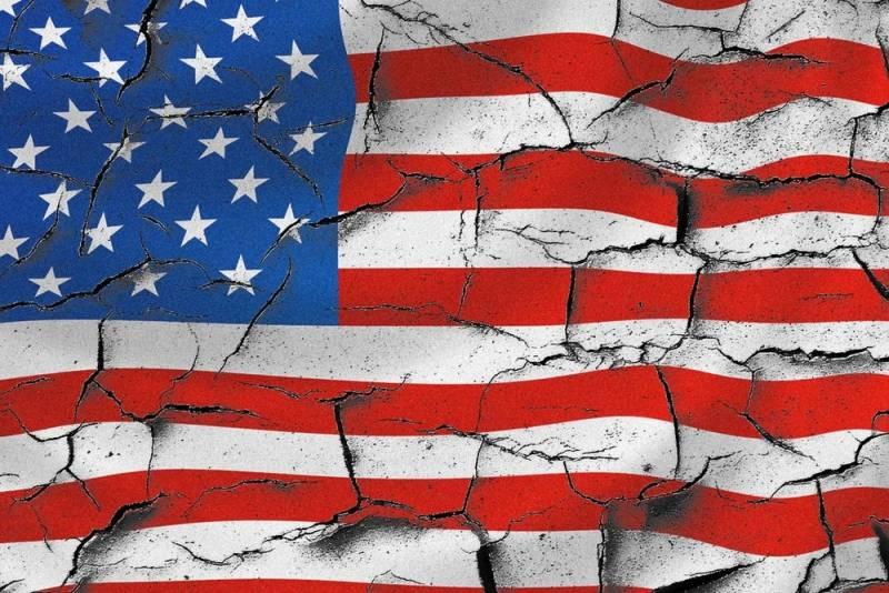 Как русофобия может привести к гибели США - размышления в американском издании