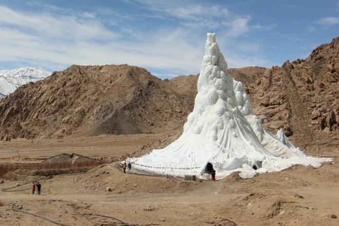 Как хранят воду в Северных Гималаях на высоте 4 километра вода,Гималаи,Гималайские горы,горы,засуха,как хранят воду в Гималаях,Пространство,пустыня