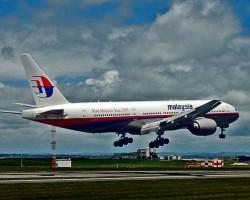 СМИ сообщили о крушении малазийского лайнера на территории Украины