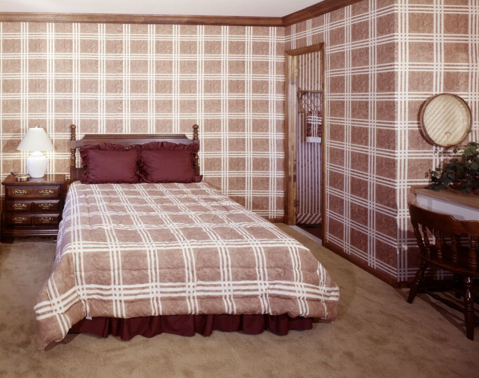 1490289605-home-trends-plaid-1970s-1490208385