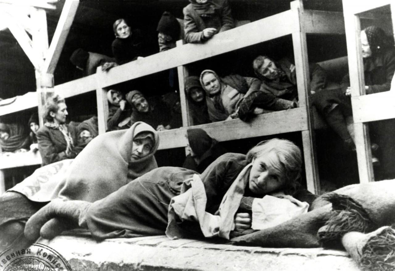 Женщины в бараках, январь 1945 года аушвиц, вторая мировая война, день памяти, конц.лагерь, концентрационный лагерь, освенцим, узники, холокост