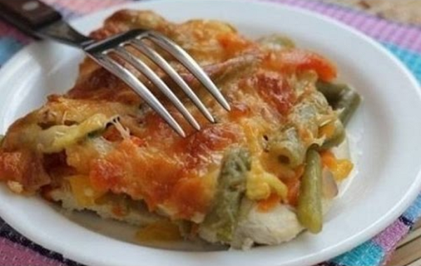 Запеканка из куриного филе с овощами