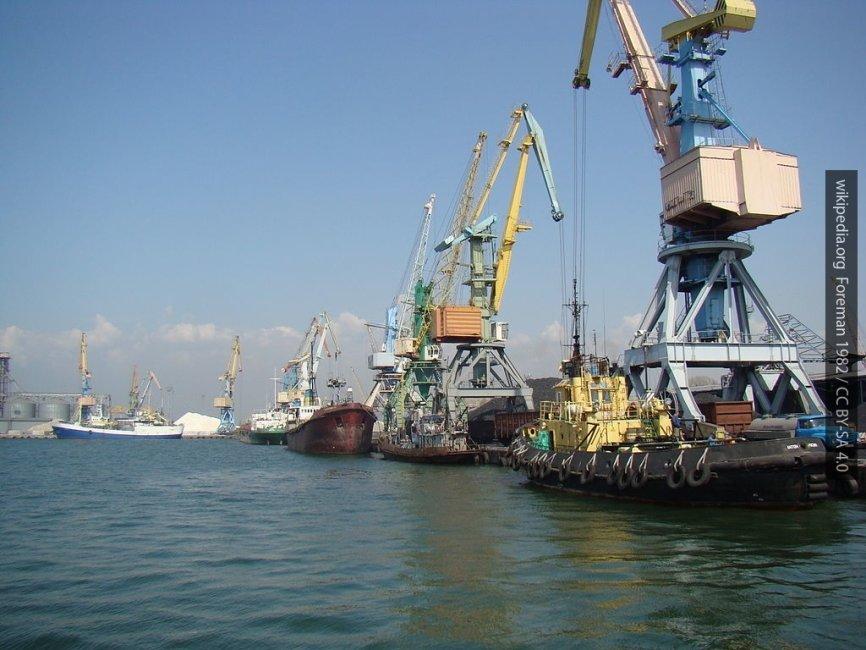 Украина направила артиллерийские катера навстречу кораблям в Азовском море