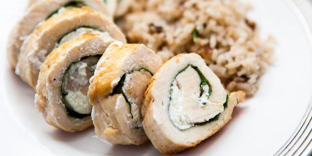 Рецепты курицы в духовке: Куриные рулетики с козьим сыром и руколой