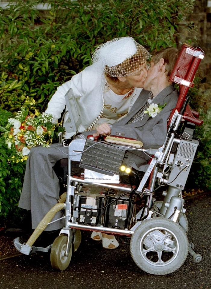 Как первая жена Стивена Хокинга спасла ему жизнь. Удивительная любовь великого ученого