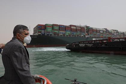 Названы сроки урегулирования ситуации с судном в Суэцком канале Мир