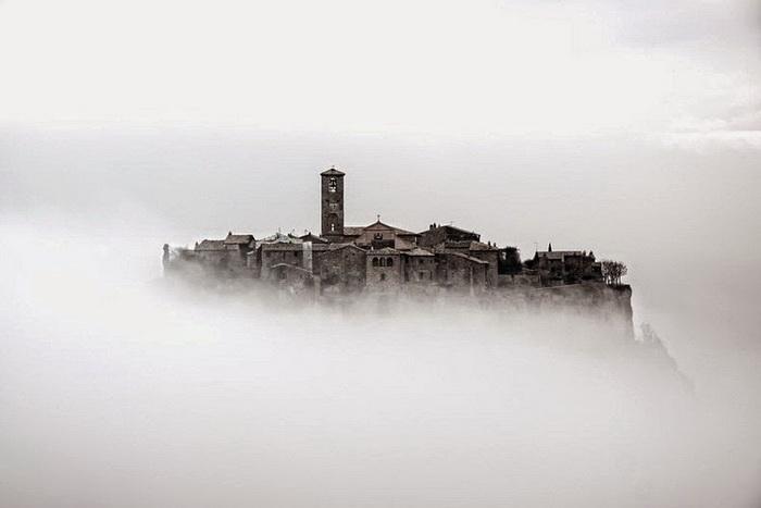 Чивита ди Баньореджо — один из самых загадочных итальянских городов, который давно мертв