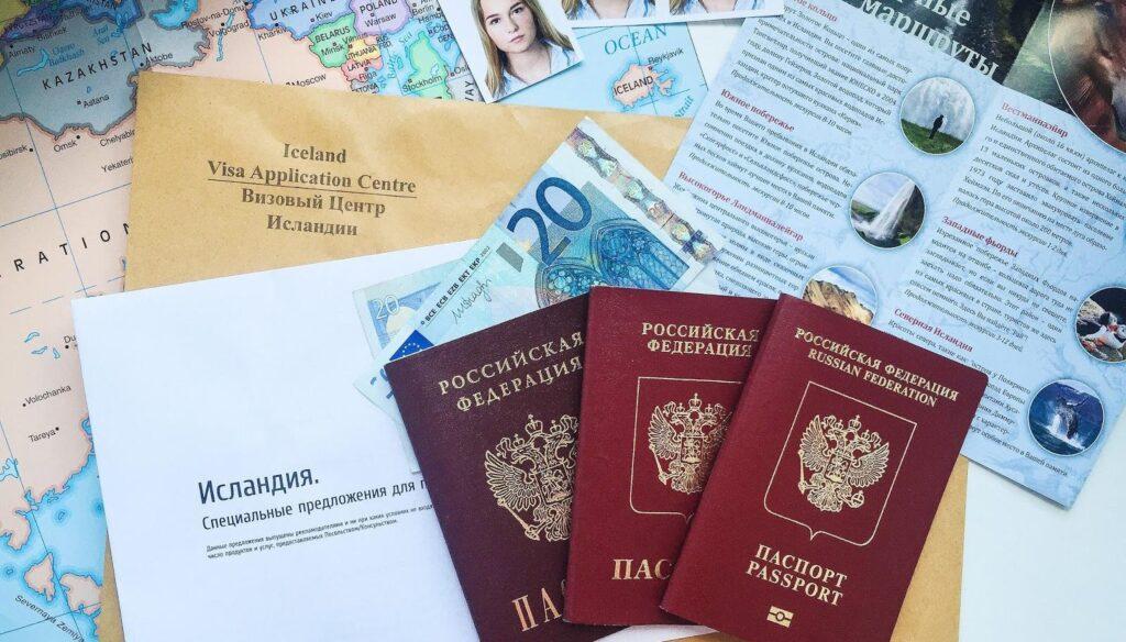 Россия изменила правила получения визы для граждан Прибалтики