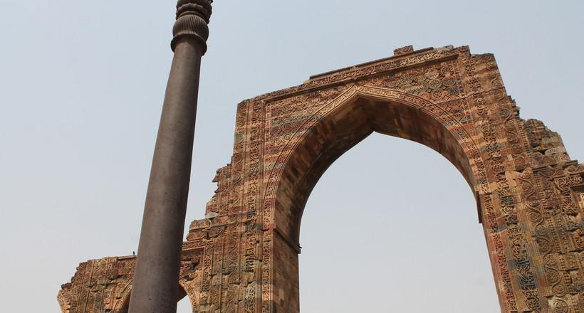 Загадка железной колонны в Дели: почему она не заржавела, ведь ей уже 1600 лет