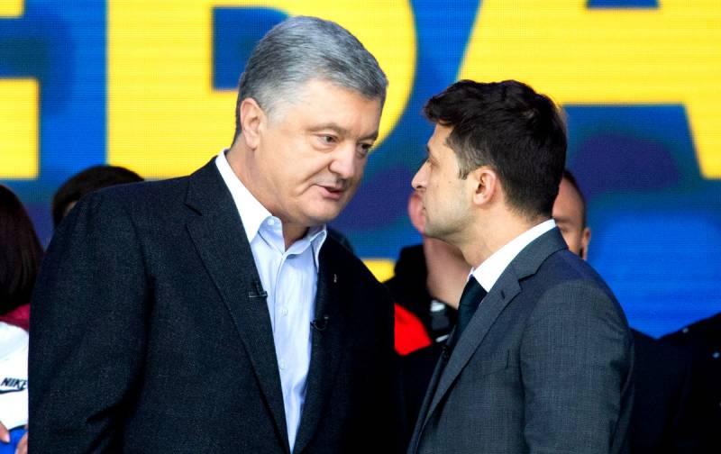 «Превращение в Порошенко»: почему столь стремительно падает рейтинг Зеленского Политика