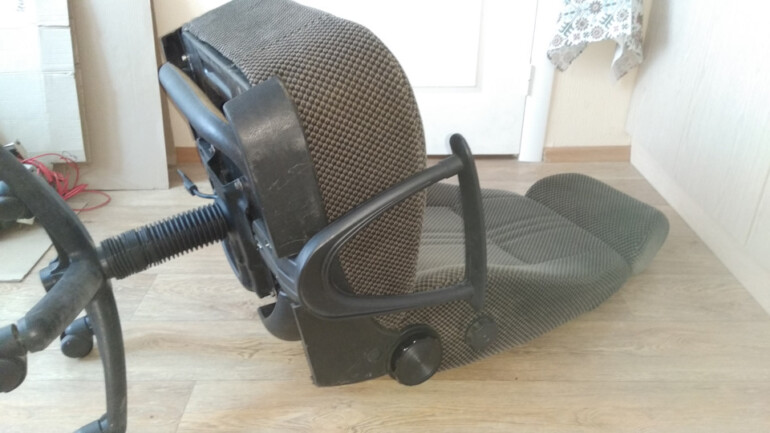 Переделываем автомобильное сиденье в комфортное компьютерное кресло для дома и дачи,мастер-класс