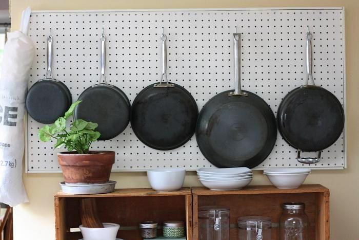 Как организовать хранение в маленькой квартире: 12 хитростей