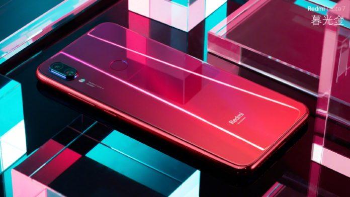 Xiaomi Redmi Note 7 — крутейший смартфон с 48-мегапиксельной камерой всего за 10 000 руб.!