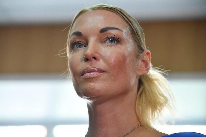 «Как не стыдно наживаться на инвалиде» — Волочкова упала на самое дно в глазах россиян