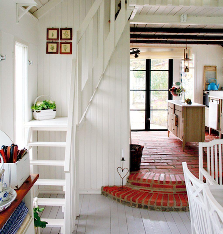 Коллекция идей оригинальных компактных лестниц для вашего дома и дачи
