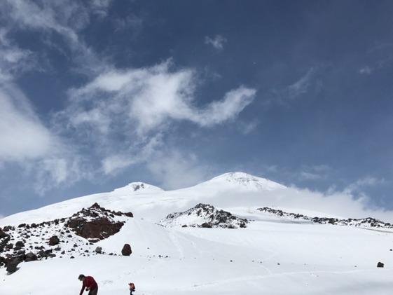 Восхождение на Эльбрус для чайников: как выжить на вершине, если у тебя нет опыта в альпинизме