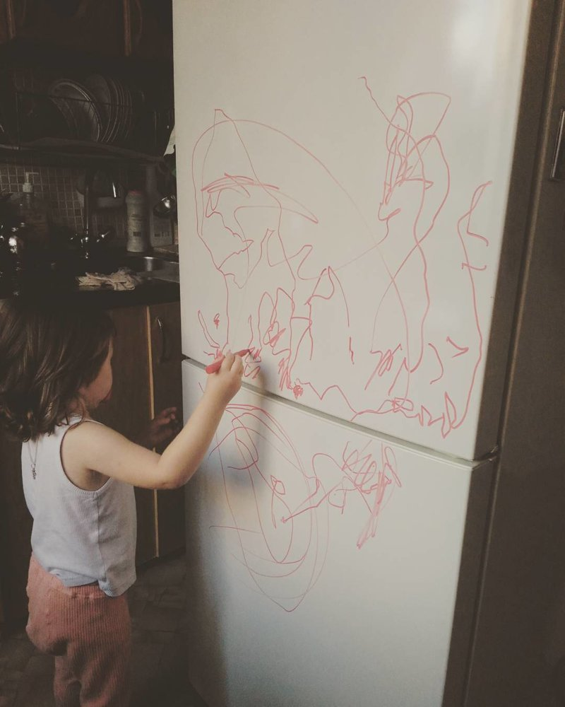 5. Будущий художник растет дети, дети и родители, нашкодили, оставили на 5 минут, смешно, фото