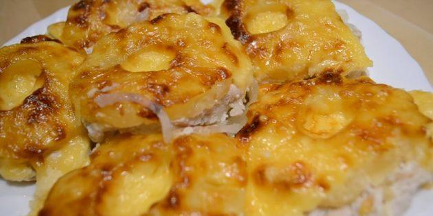 Курица в духовке: Куриные грудки с ананасами и сыром