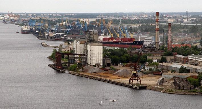 Медведев: Латвия ничего не сможет произвести без сырья из России