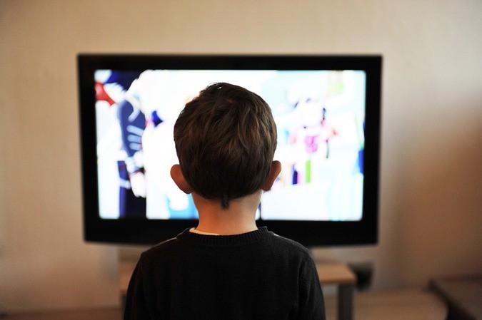 Запретить демонстрацию алкоголя по телевидению?