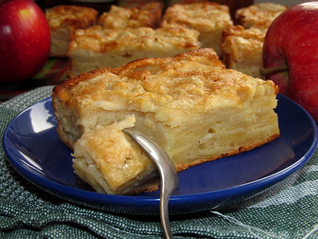 Яблочный пирог с сахарной корочкой