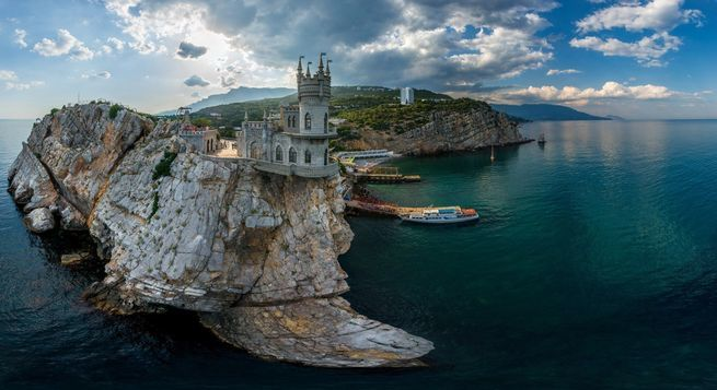 Маразм крепчал: Крым не ушел…