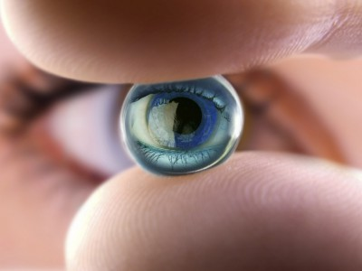 Смарт-линзы от Google помогут вылечить близорукость