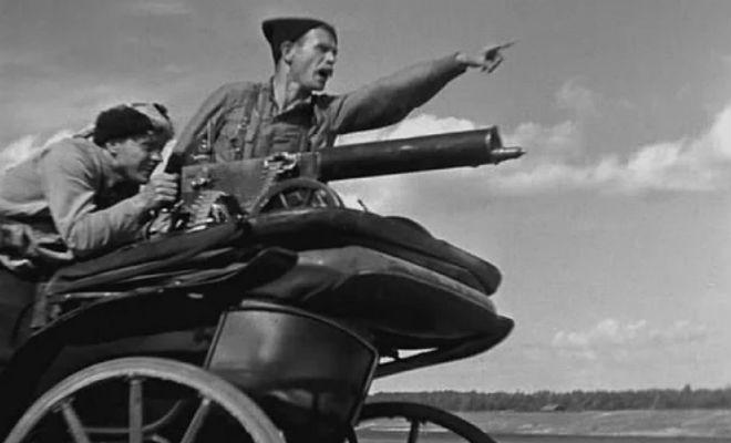 Недостатки пулемета Максим: солдаты поливали оружие водой