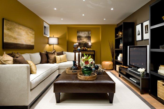 Ярко-желтых стен в комнате для приёма гостей вполне достаточно для того, чтоб получить заряд энергии на целый день.