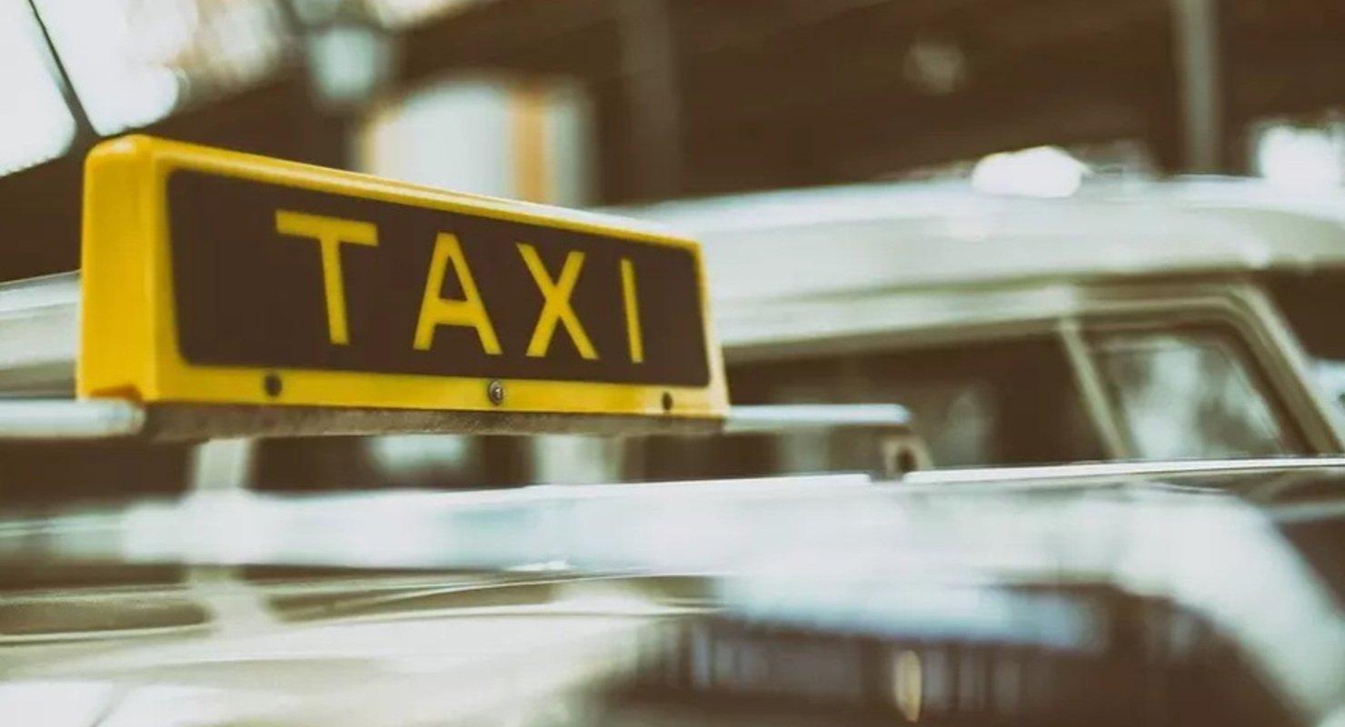 В Госдуме предложили ограничить тарифы на такси Автомобили