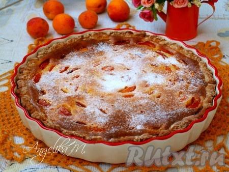 Пирог из творожного теста с абрикосами
