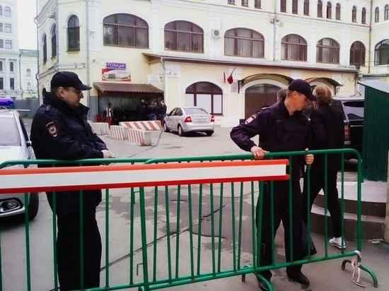 """""""Без боя не сдамся"""": Полицейские опасаются нападения земляков задержанного Умара Джабраилова"""