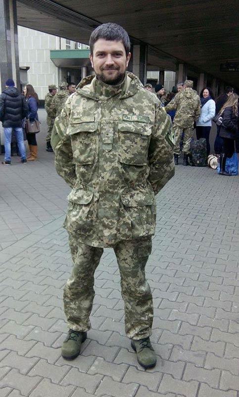 Листал подборку сохранённых материалов:  Даже ноги не унёс с Донбасса...