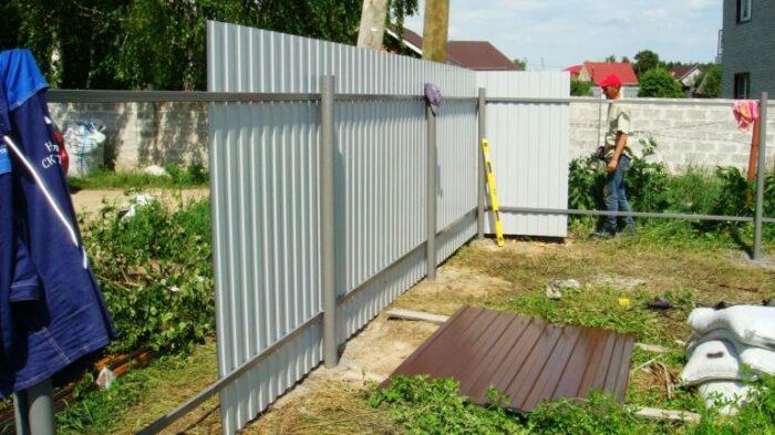 Почему забор на даче нужно ставить лицевой стороной к соседям дача,забор,ремонт и строительство,соседи